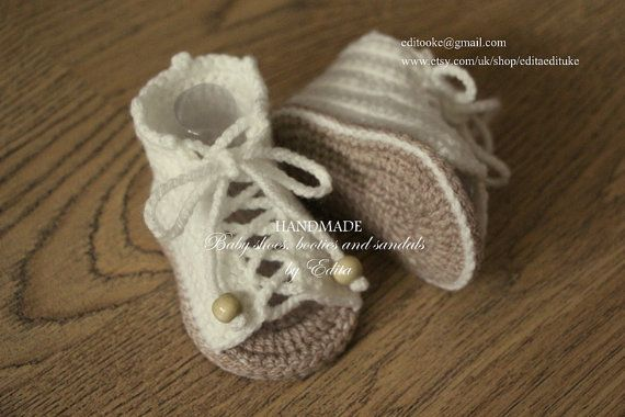Crochet baby sandals. Made from acrylic yarn. Size : 3-6 months. Length: approx. 10 cm.- 4 inches  Hand wash in cool water.  You can find me on
