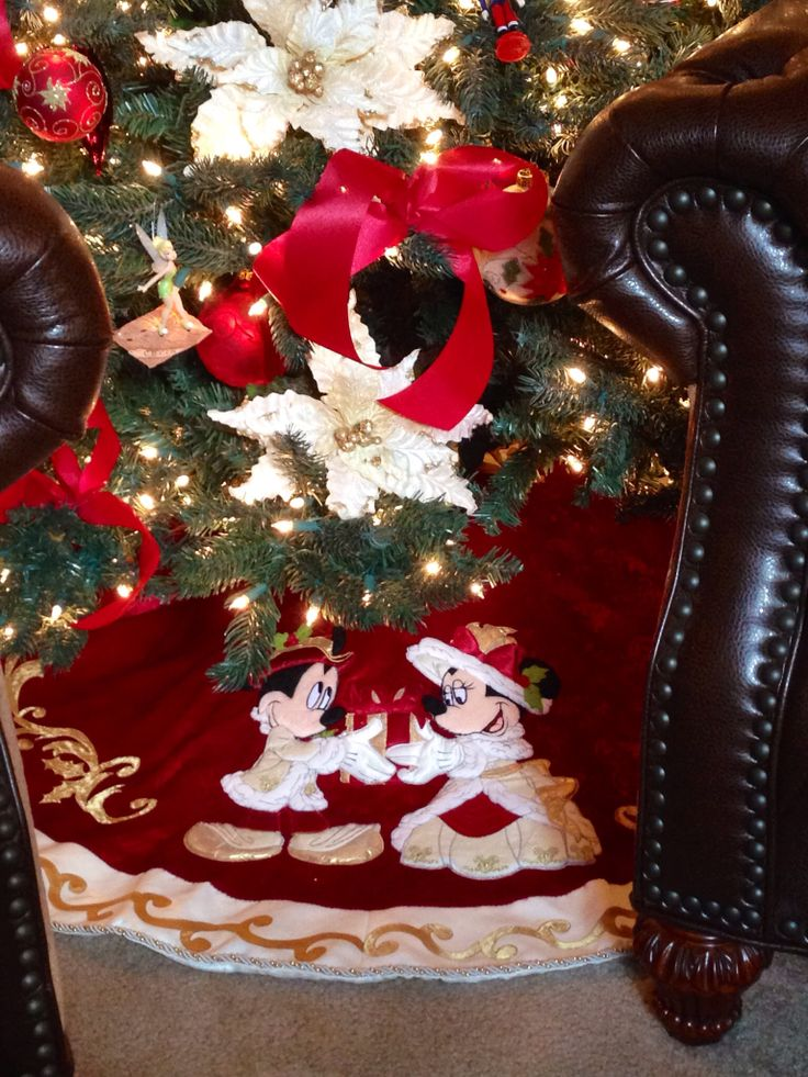42 Best Mickey And Minnie Christmas Theme Images On Pinterest