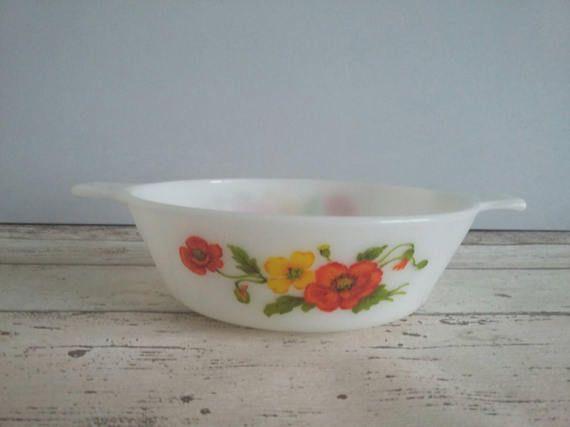JAJ Pyrex Red Poppy Small Casserole Dish // 1970s // Retro