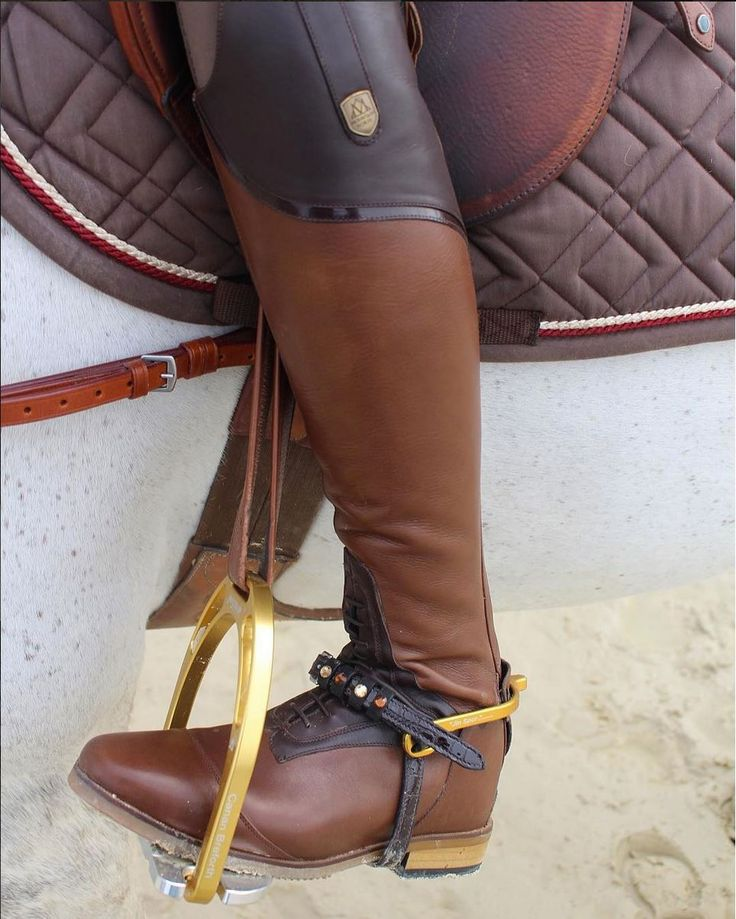 I believe in a thing called love. Mountain Horse USA Sovereign Field Boots, so beautiful, we guarantee you will fall for them ❤️ Available in black or brown. Photo: Carlchen Opulensky, Carli showjumping Team #MountainHorse