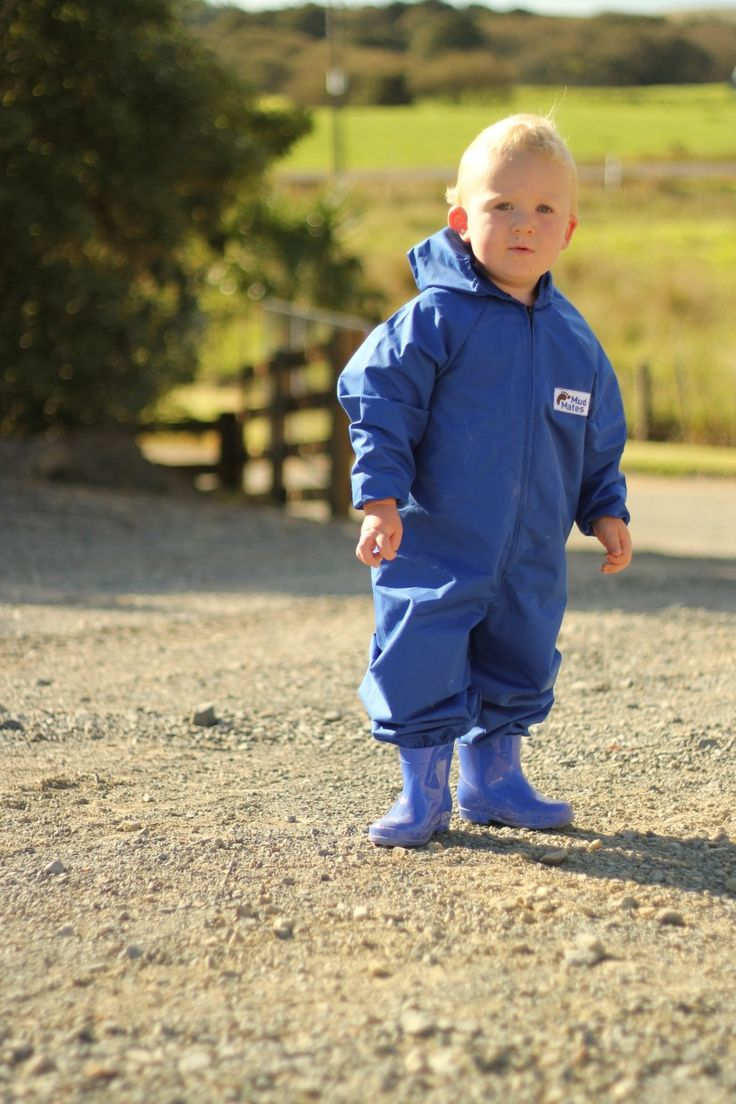 Coveralls review - The Best Nest. Mud Mates protective over-garments for littlies to keep them clean and dry.  www.mudmates.co.nz