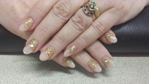 Love these...pale pink with gold glitter & diamonte's