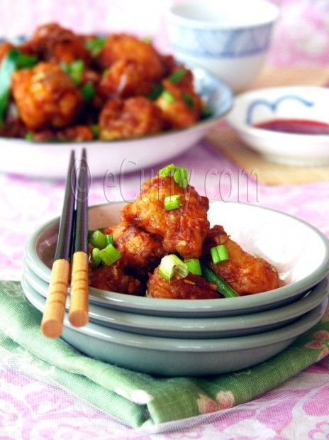 Gobi Manchurian/Cauliflower Fritters in Spicy Sauce      This sauce is amazing!!