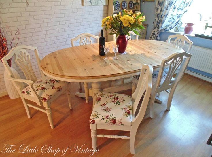 Beautiful Solid Pine Ducal Table & 6 Chairs Painted in Annie Sloan Old White. Shabby Chic
