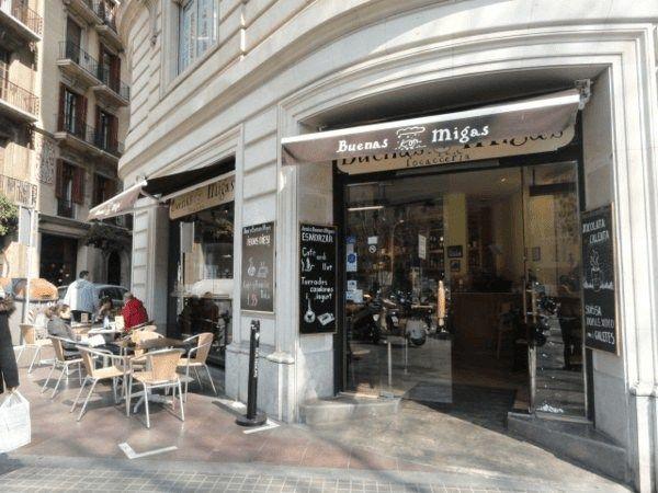 Quieres saber donde comer bien y barato en Barcelona? No te pierdas este post con restaurantes, info útil y precios!