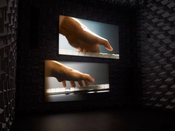 """Sound plays an essential role in #GuggenheimAbuDhabi collection artist #AnriSala's """"Ravel Ravel Unravel"""" (2013). This immersive video installation engages the viewer in a holistic experience of sight and sound. Through tight close-ups that exclude face, body, and setting, Sala creates a visual and musical mystery: is it one pianist or two playing composer #MauriceRavel's piano concerto? Sala's work is on view in Guggenheim Abu Dhabi's second collection show #TheCreativeAct at Manarat Al…"""