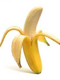 La constipation: Riche en fibres, ajouter des bananes dans un régime alimentaire peut aider à rétablir le fonctionnement du côlon. Les remontés acides: La banane est un excellent antiacide naturel, si vous avez des brûlures d'estomac, essayez de manger une banane pour les apaiser. Les nausées: Manger des bananes entre les repas aide à réguler le niveaux de sucre dans le sang et prévient les nausées matinales.