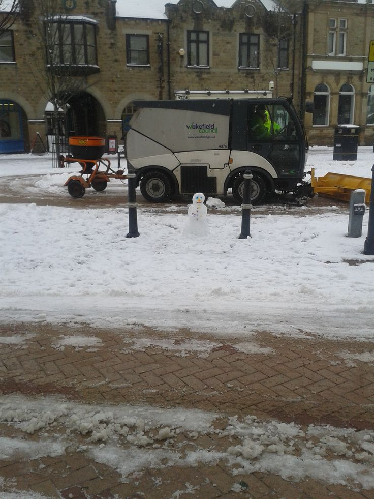 Snow clearing Ossett Town Centre