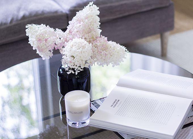 Coffee table decor, hydrangeas via Coffee Table Diary