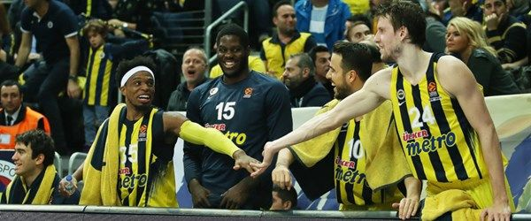 Fenerbahçe Anthony Bennett ile yollarını ayırdı