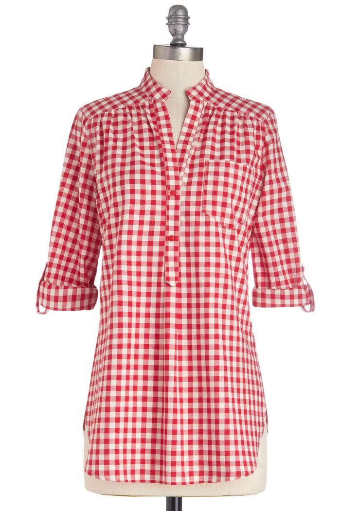 Bonfire Stories Tunic in Red Gingham. Huddled around you, fascinated and filled with suspense, your pals hang on each word and wait for the plots fateful ending. #red #modcloth
