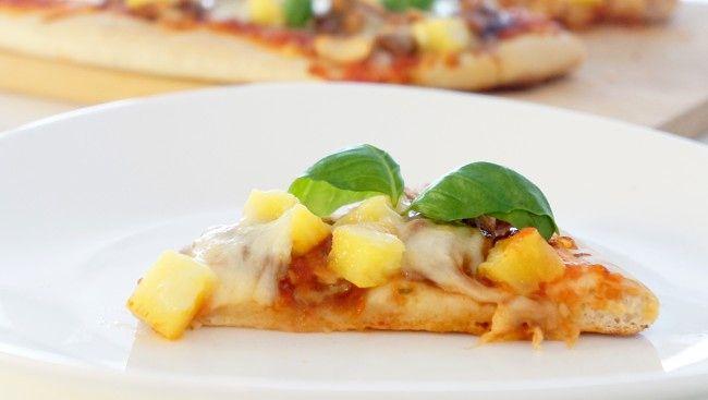 Pizza m kylling ananas og cashewnøtter