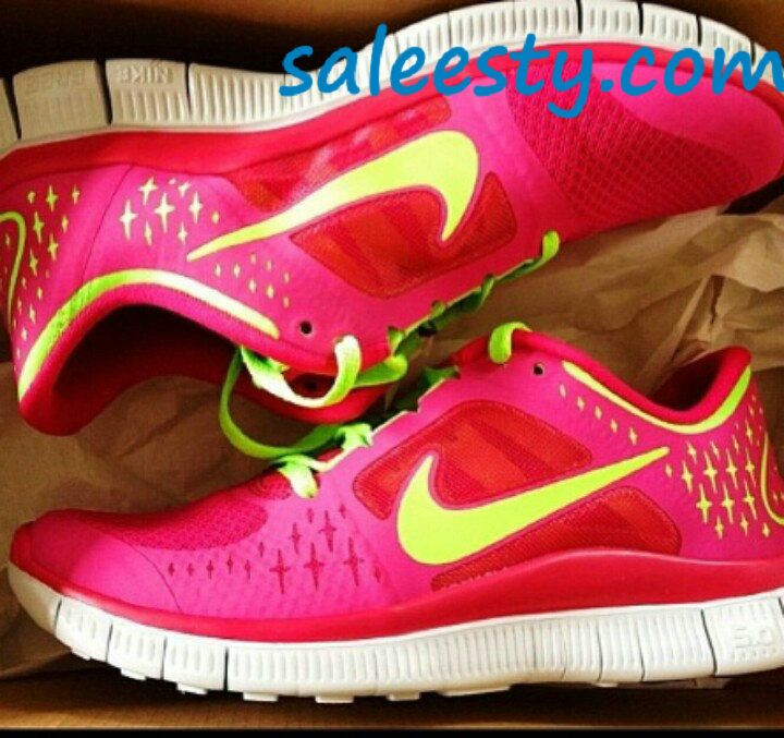 Pink nike free runners ! Workout shoes ! Need