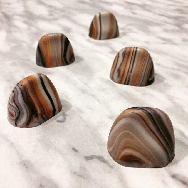 Tiger's Eye gemstone OPALYS bonbons. Tones of ivory, grey, black and bronze | By Pastry Chef & Chocolatier David H. Chow.