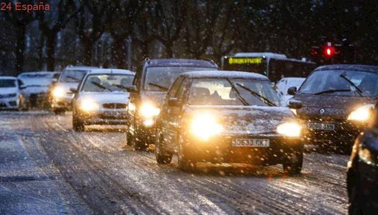 Cierre de puertos, cadenas en los coches y suspensión de clases por el temporal de nieve en el País Vasco