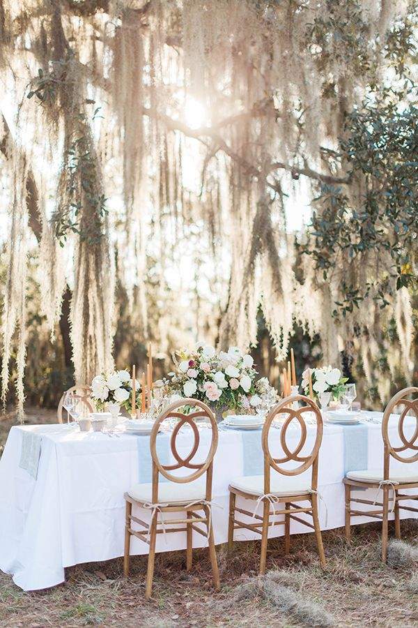 romantic wedding tables - photo by Jose & Teresa Photography http://ruffledblog.com/oldfield-plantation-wedding-inspiration