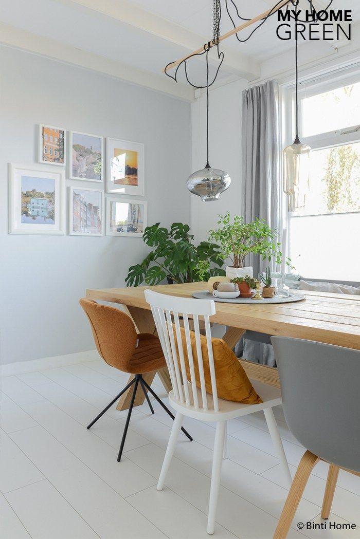Interieurinspiratie groen wonen binnenkijken eetkamer grijze muur ©BintiHomestudio