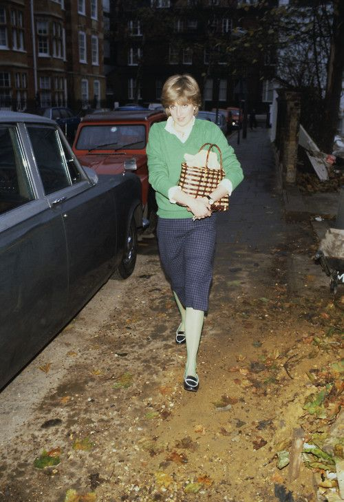 Lady Diana Spencer, colour co-ordinated in London-nov 20,1980-