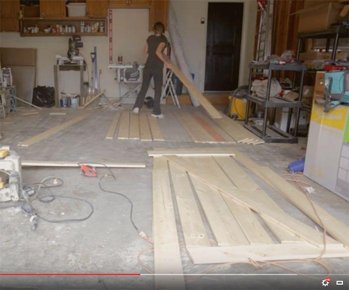 Got back barn door style swinging garage door