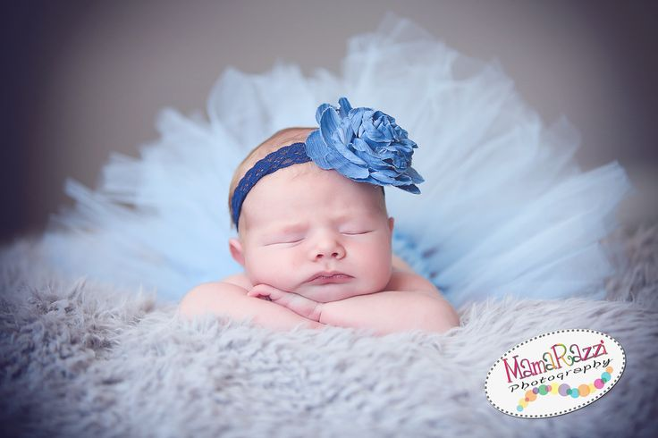 Newborn photography by jenna medina and jackie slatton of mamarazzi photography located in chicopee ma