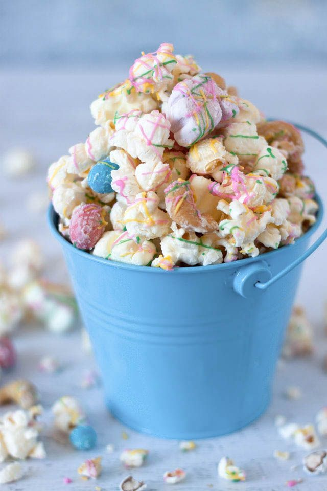 Easter Rocky Road Popcorn loaded with cute, colorful bunny marshmallows, chocolaty mini robin eggs, and salty cashew nuts.