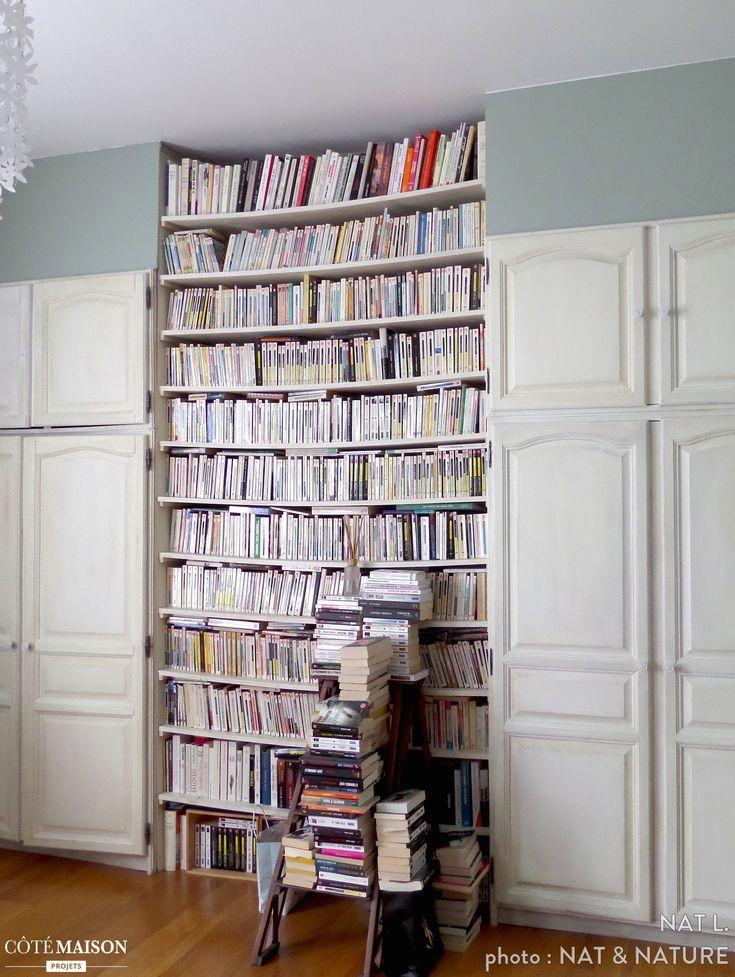 une biblioth que qui fait office de rangement et de d co. Black Bedroom Furniture Sets. Home Design Ideas