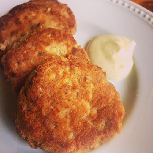 #LowCarb Salmon Patties with sauce-canned salmon, easy, yummy #Allrecipes