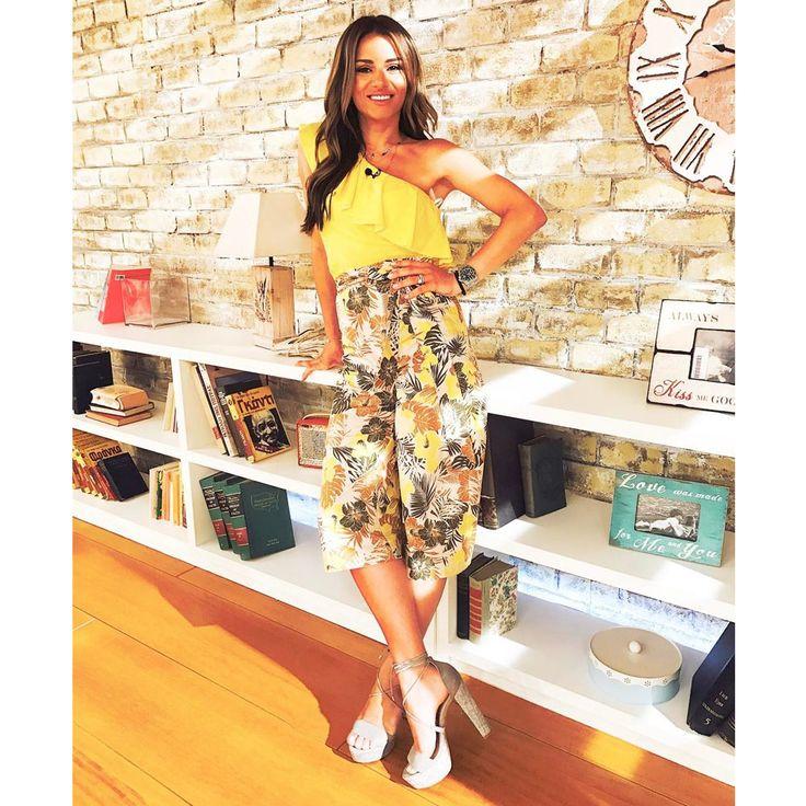 Eleni Tsolaki in summer mood wearing #MIGATO ES4216 grey high heeled sandals! Shop link ► bit.ly/ES4216-L15en