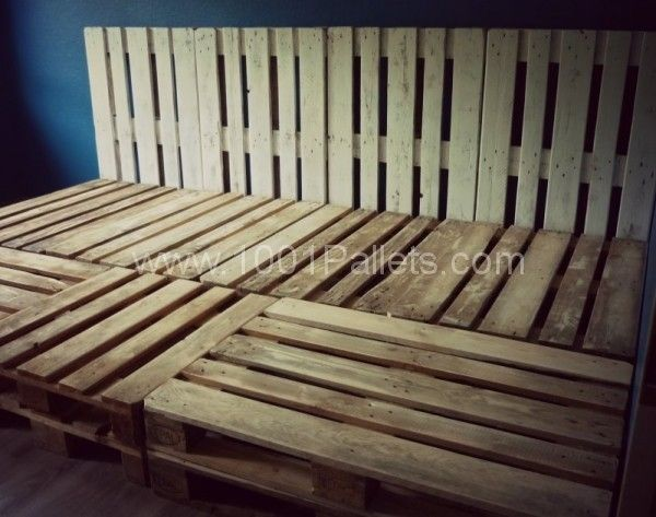 Palettenbett2 600x473 DIY: Family bed made of euro pallets in pallet bedroom ideas  with Pallets DIY Bed