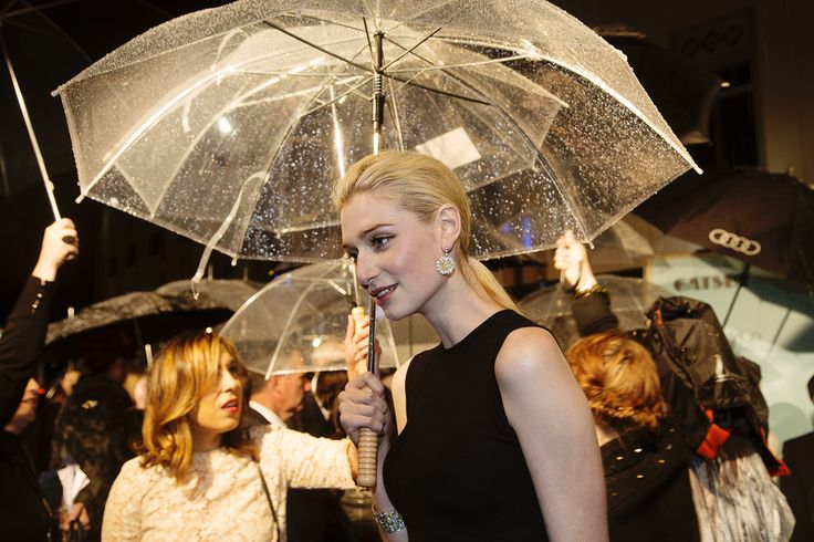 The gorgeous Elizabeth Debicki at The Great Gatsby premiere.