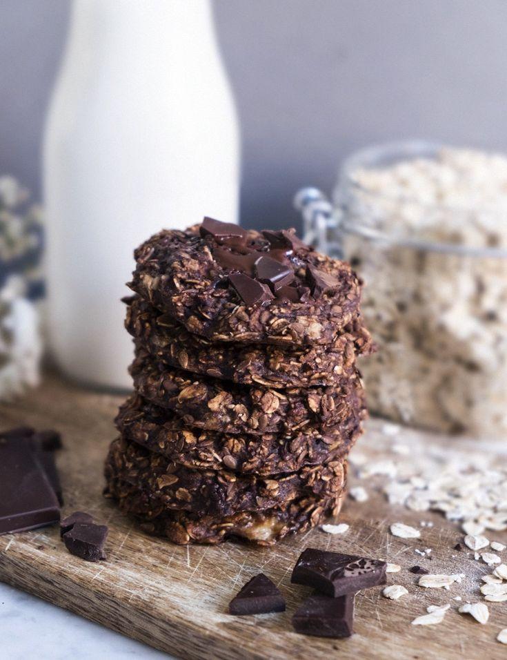 Här kommer ett recept på nyttiga, men supergoda, chokladkakor. De ärfria från både gluten, laktos och socker! Ni hittar produktlänkar under receptet 🙂 Recept & bild:@shakeforshape DU BEHÖVER (för ca 5-6 st): 1,5 banan 1,5 dl glutenfria havregryn 0,5 tsk vaniljpulver 1 msk kakao 1 msk jordnötssmör 3 msk vatten 1,5 msk linfrön GÖR SÅHÄR: …