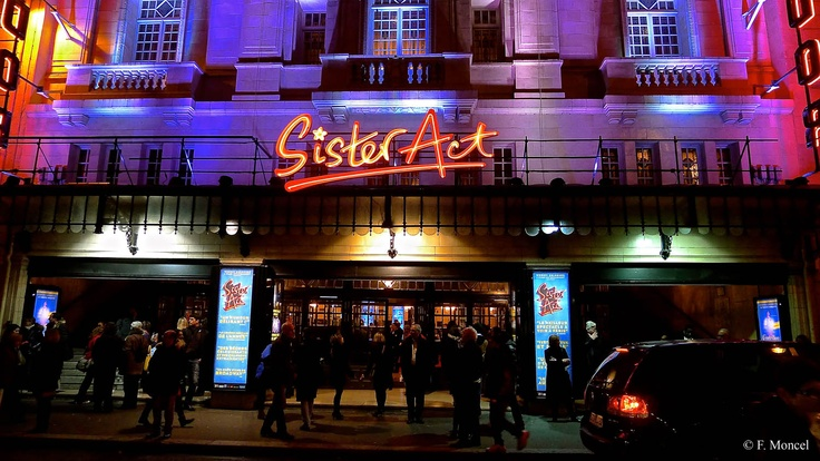 Sister Act the Musical Theatre Mogador.