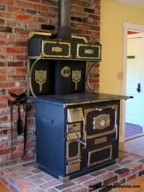 Beautiful I Want My Kitchen Stove To Look Like This   1920s Monarch Wood Fired