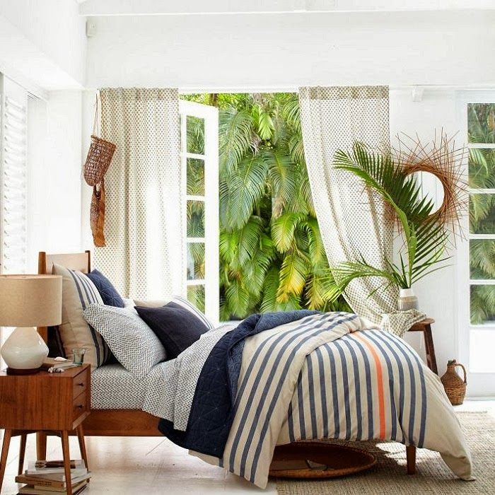 CHIC COASTAL LIVING: Nautical Looks For Your Home