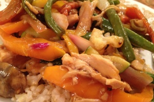 Chicken and Green Bean Stir Fry with Ginger Sesame Sauce - amazing flavors and texture. You will love this recipe. #chicken #greenbeans #rice #stir-fry #maindish #glutenfree