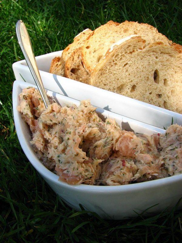 Rillettes aux 2 saumons  -- http://alatabledel.canalblog.com/archives/2011/04/01/20745899.html