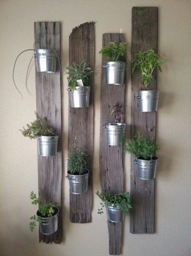 Mur végétal composé de plantes aromatiques