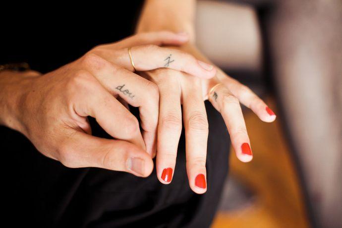 10 идей маленьких татуировок