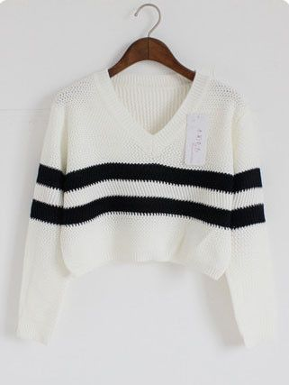 Cropped V-Neck Oversized Knit Sweater