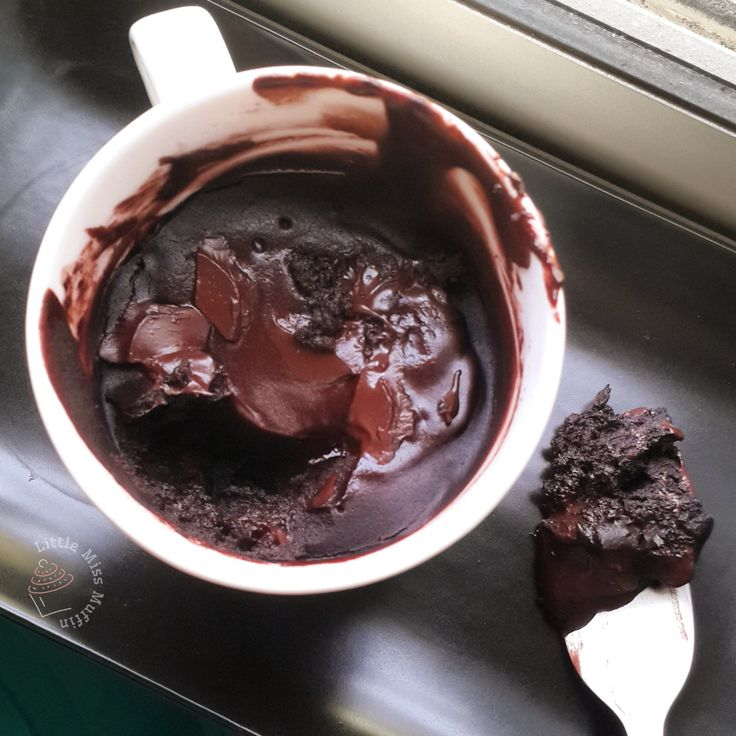 Microwave Brownie in a Mug | the little miss muffin
