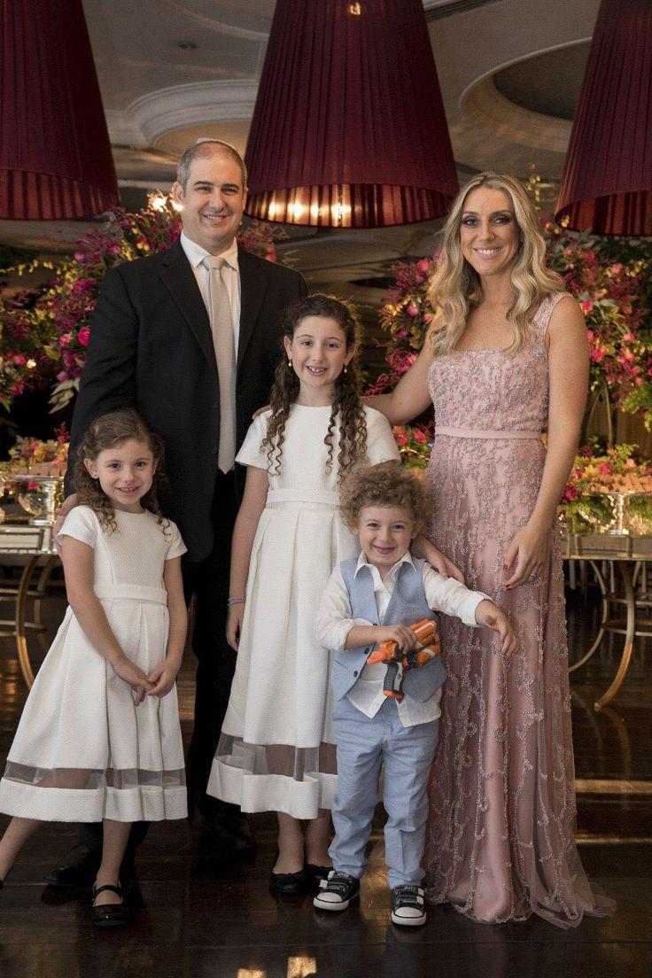 Vestido para irmã da noiva - rosa bordado com alças  Ateliê Esther Bauman Acquastudio São Paulo/SP