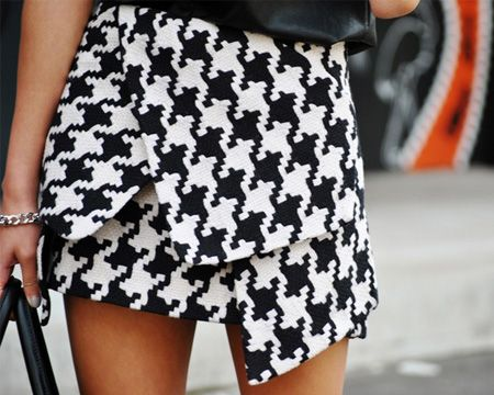 Large Houndstooth Print