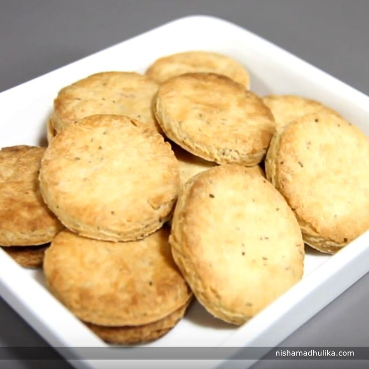 Ajwain (carom seeds) cookies are liked the most because of their salty-sweet flavor.  Recipe in English- http://indiangoodfood.com/640-salted-ajwain-cookies-recipe.html ( copy and paste link into browser)  Recipe in Hindi- http://nishamadhulika.com/786-salted-ajwain-cookies-recipe.html ( copy and paste link into browser)