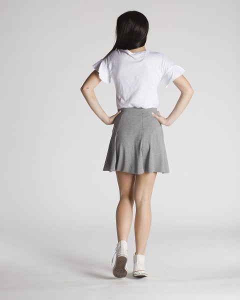 Λευκό Τ-shirt με βολάν στο μανίκι