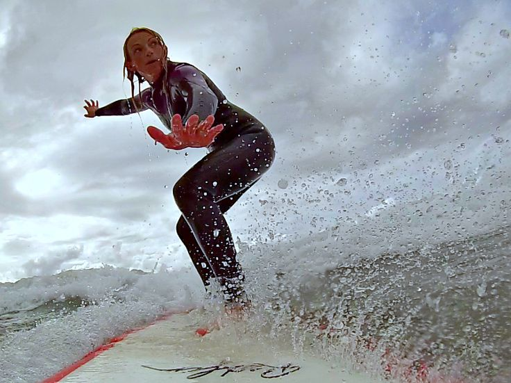 Love the position and the water detail. @1angharad_rees is one super cool surfergirl :)