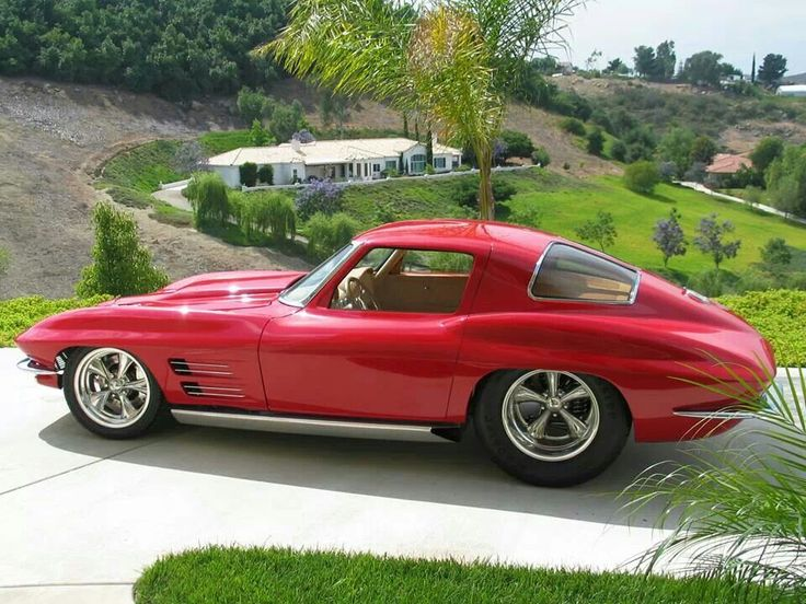 1963 Split window Corvette built by Boyd Coddingtons crew. This was my favorite car built on the show outfitted with a an all aluminum 434 twin turbo engine producing 2000 streetable horsepower