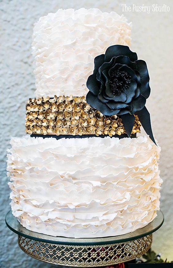Wedding cake idea Featured Photographer Sara Purdy