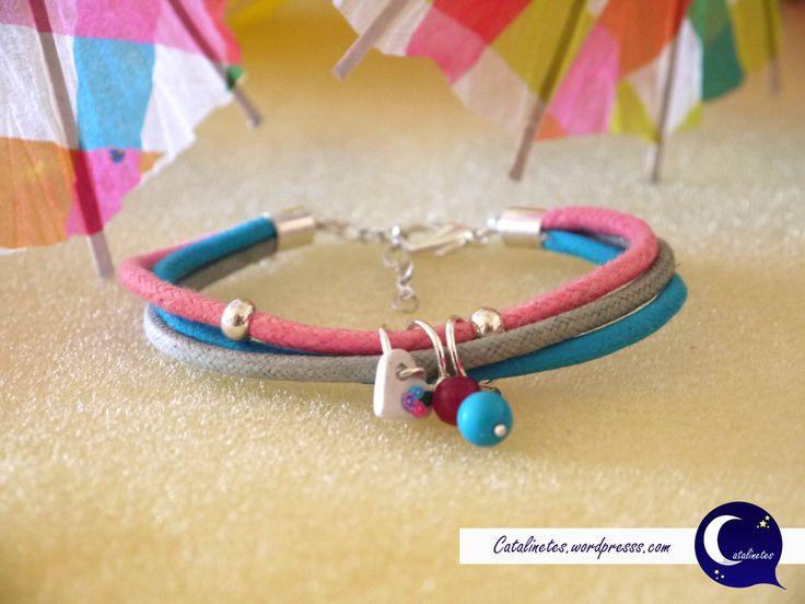Pulsera de color Arco Iris, para más información entra en: http://catalinetes.wordpress.com/