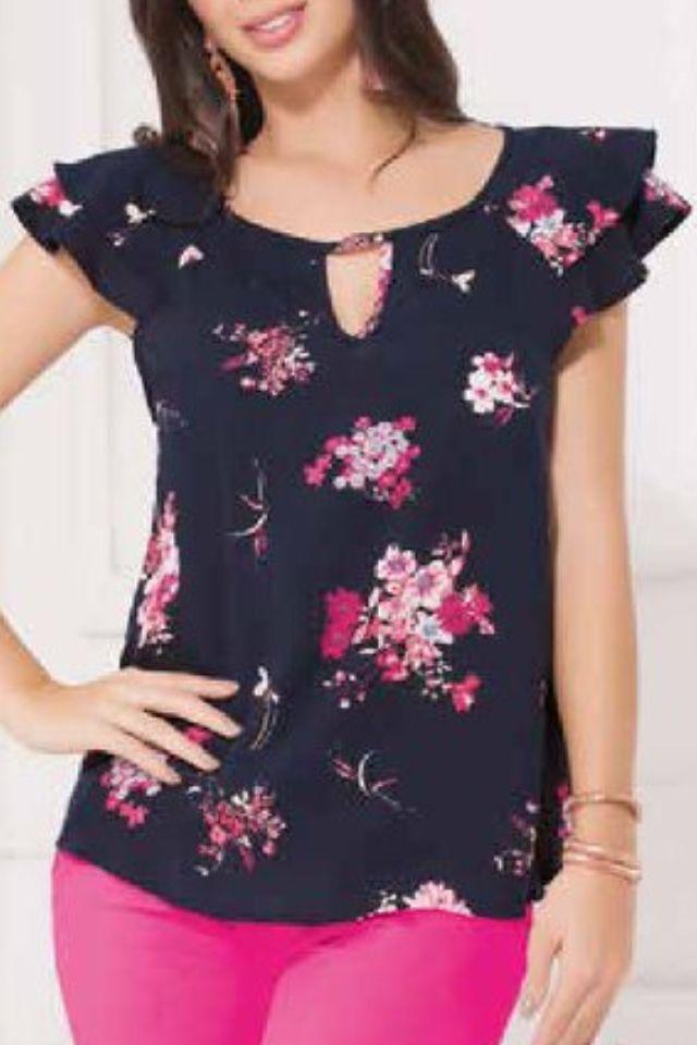 6e9317ab6ae5 Blusa floral | Blusas en 2019 | Blusas de moda, Blusas mujer y Vestidos