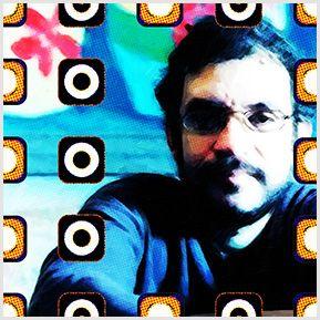 Renato Russo - Cazuza - Quadrinhos confeccionados em Azulejo no tamanho 15x15 cm.Tem um ganchinho no verso para fixar na parede. Inspirados em cantores e compositores brasileiros. Para entrar em contato conosco, acesse: www.babadocerto.com.br
